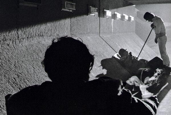 Stanley Kubrick sur le tournage d'Orange Mécanique