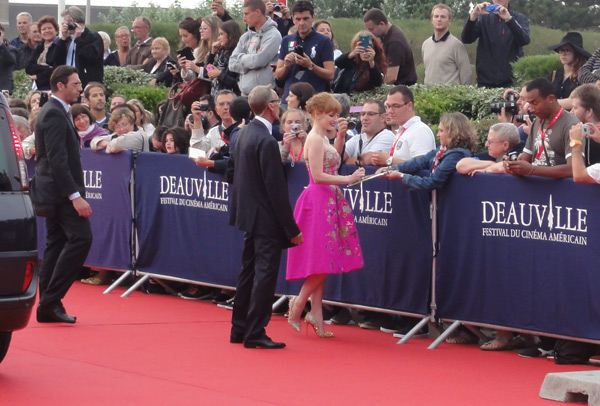 jessica-chastain-red-carpet-deauville